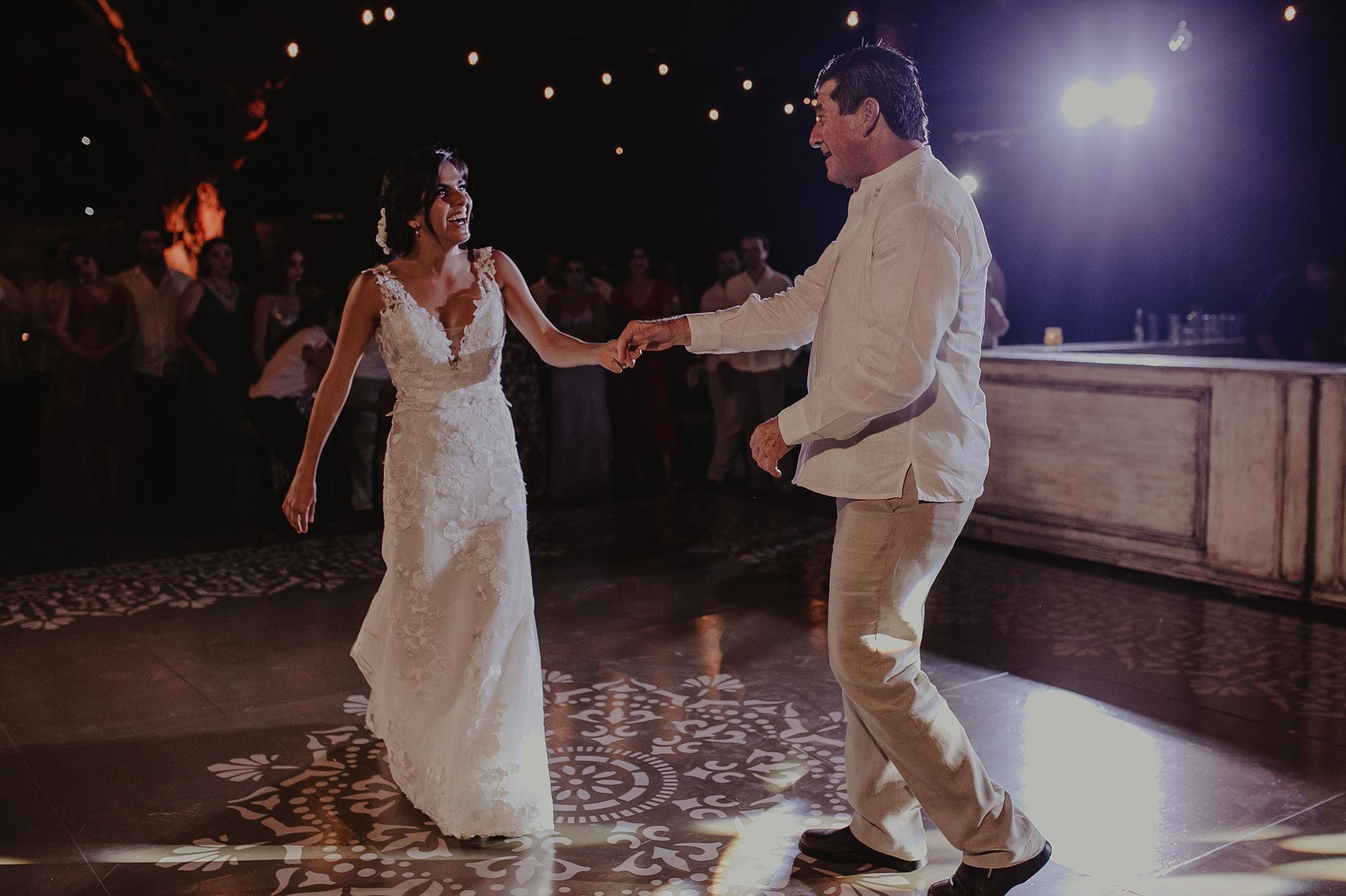 0341M&Cslide_WeddingMerida_.jpg