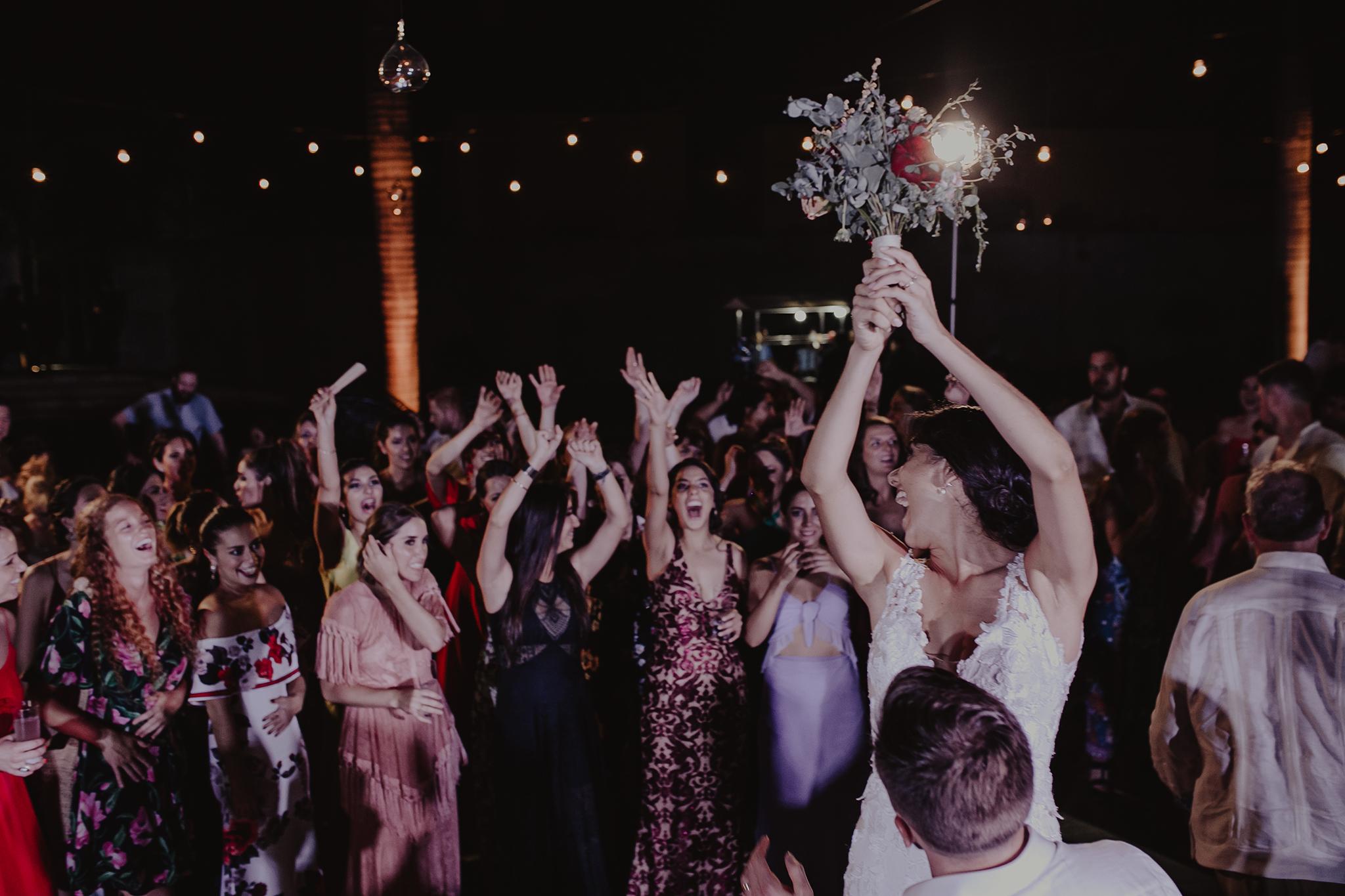 0418M&Cslide_WeddingMerida_.jpg