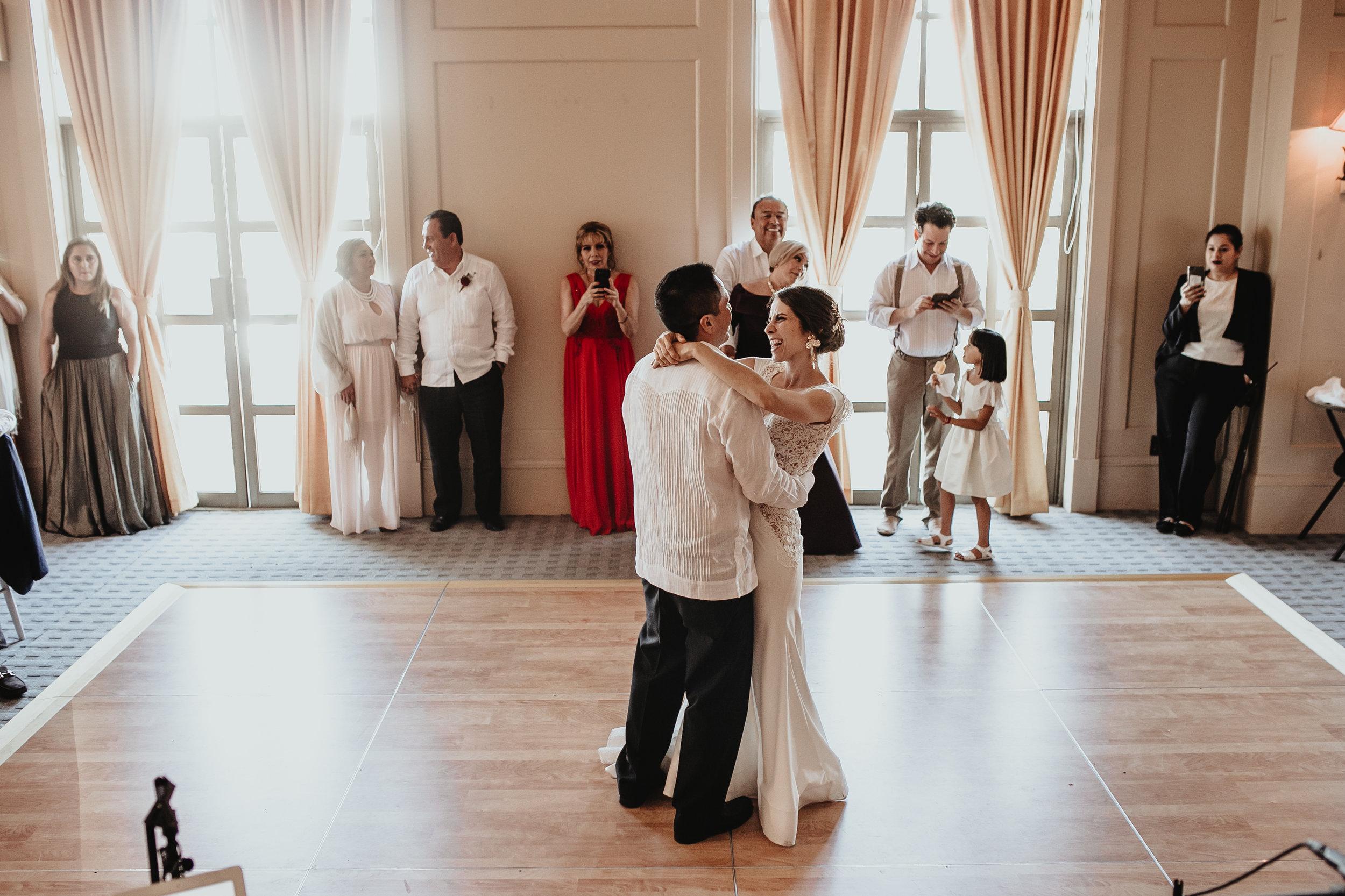 0289slideE_&_A_WeddingMerida_.jpg