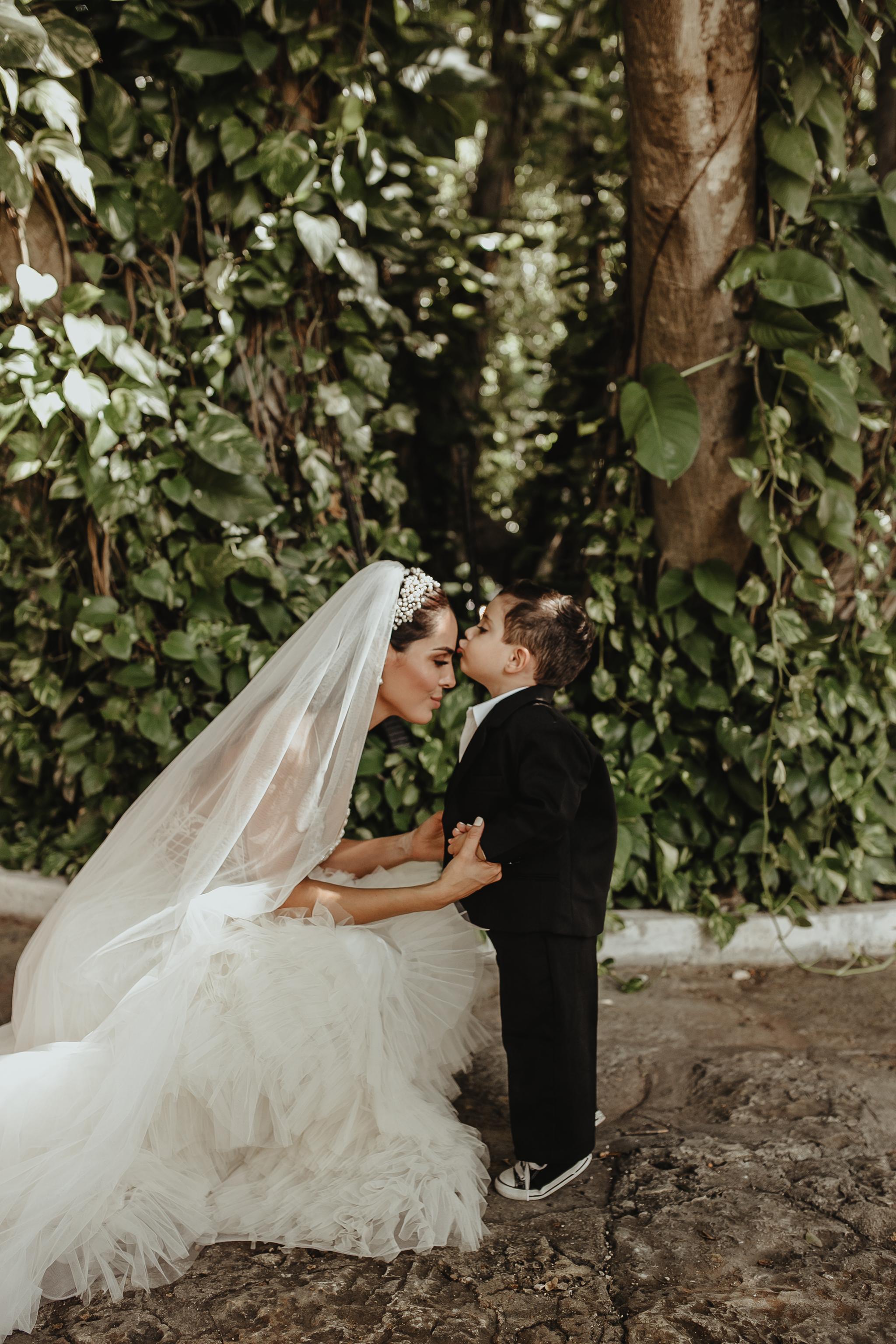 0452R&F__WeddingDestination_Weddingmerida_BodaMexico_FotografoDeBodas_FabrizioSimoneenFotografo.jpg