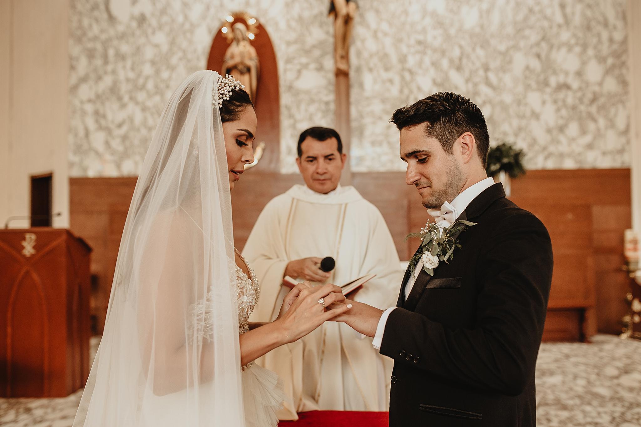 0659R&F__WeddingDestination_Weddingmerida_BodaMexico_FotografoDeBodas_FabrizioSimoneenFotografo.jpg