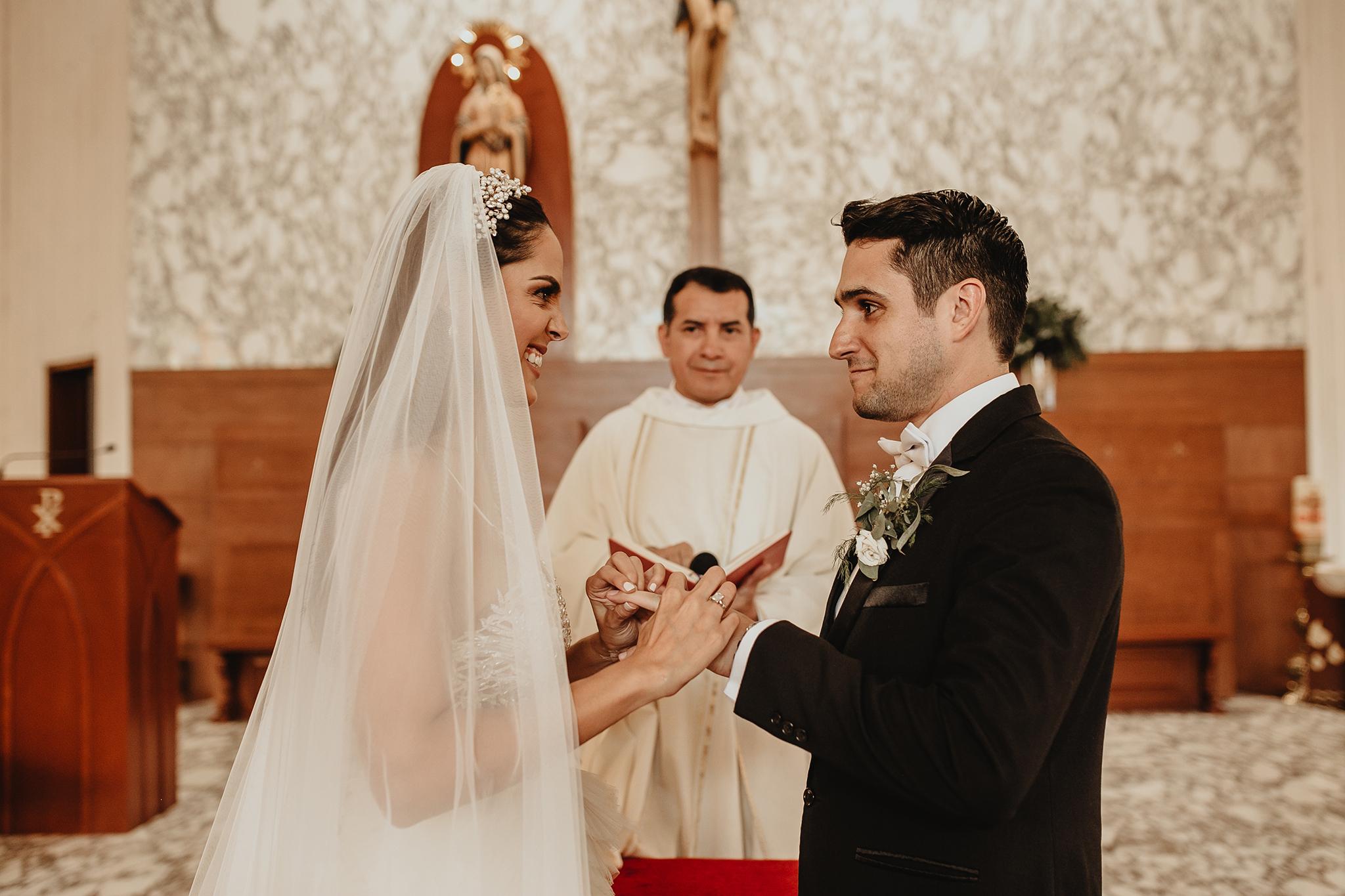 0661R&F__WeddingDestination_Weddingmerida_BodaMexico_FotografoDeBodas_FabrizioSimoneenFotografo.jpg