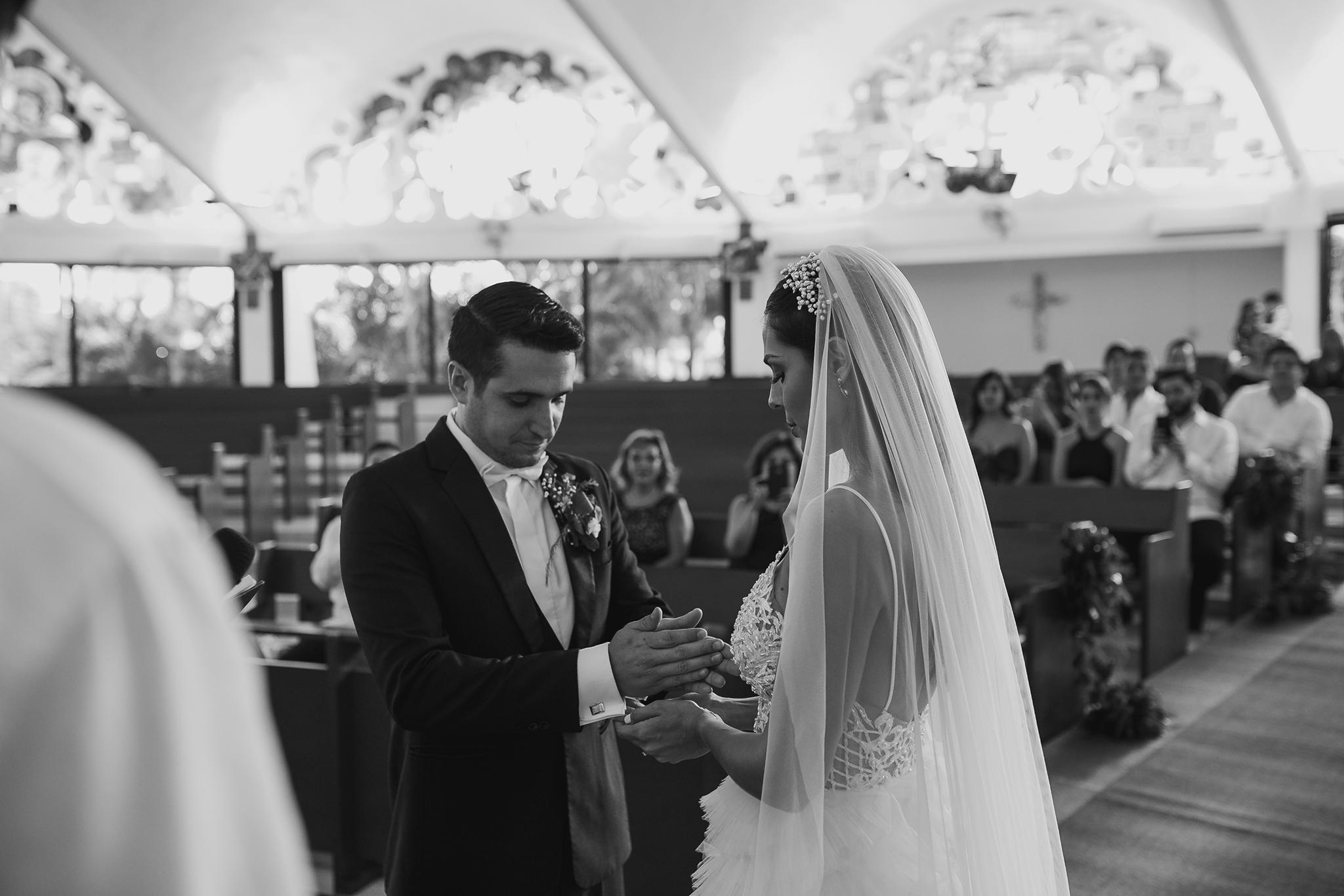 0670R&F__WeddingDestination_Weddingmerida_BodaMexico_FotografoDeBodas_FabrizioSimoneenFotografo.jpg