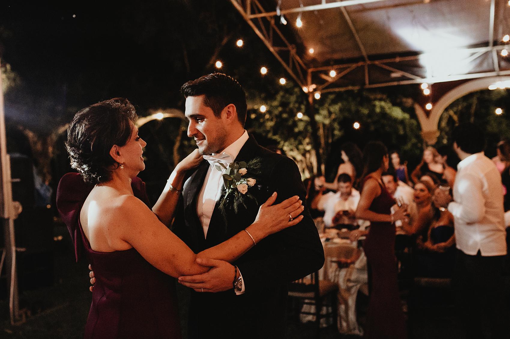 1020R&F__WeddingDestination_Weddingmerida_BodaMexico_FotografoDeBodas_FabrizioSimoneenFotografo.jpg