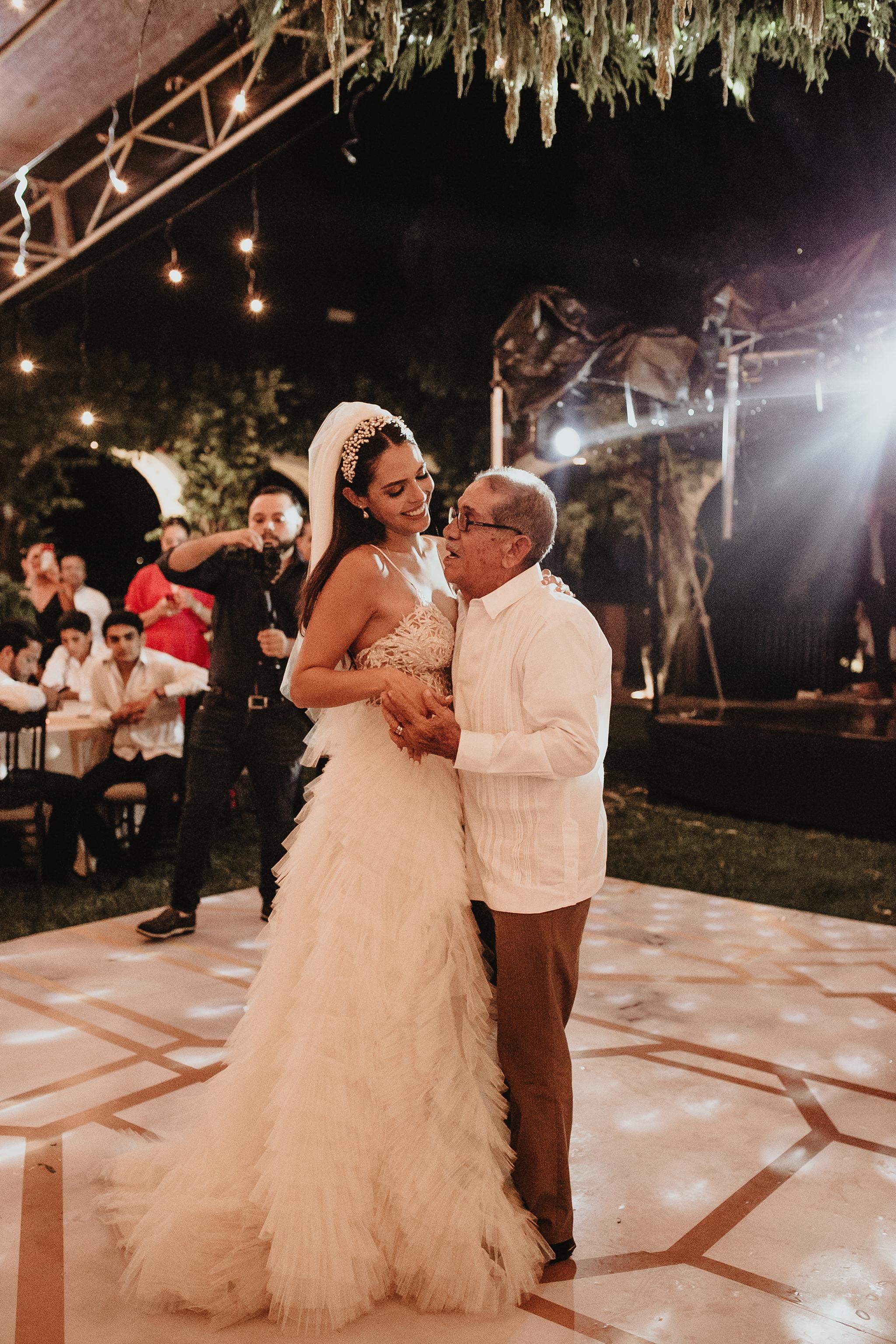 1068R&F__WeddingDestination_Weddingmerida_BodaMexico_FotografoDeBodas_FabrizioSimoneenFotografo.jpg
