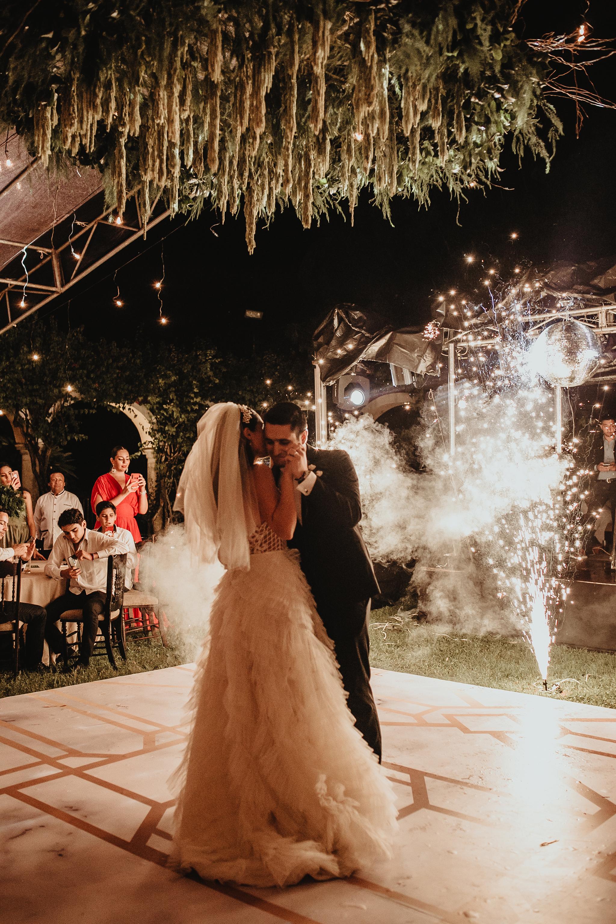 1112R&F__WeddingDestination_Weddingmerida_BodaMexico_FotografoDeBodas_FabrizioSimoneenFotografo.jpg