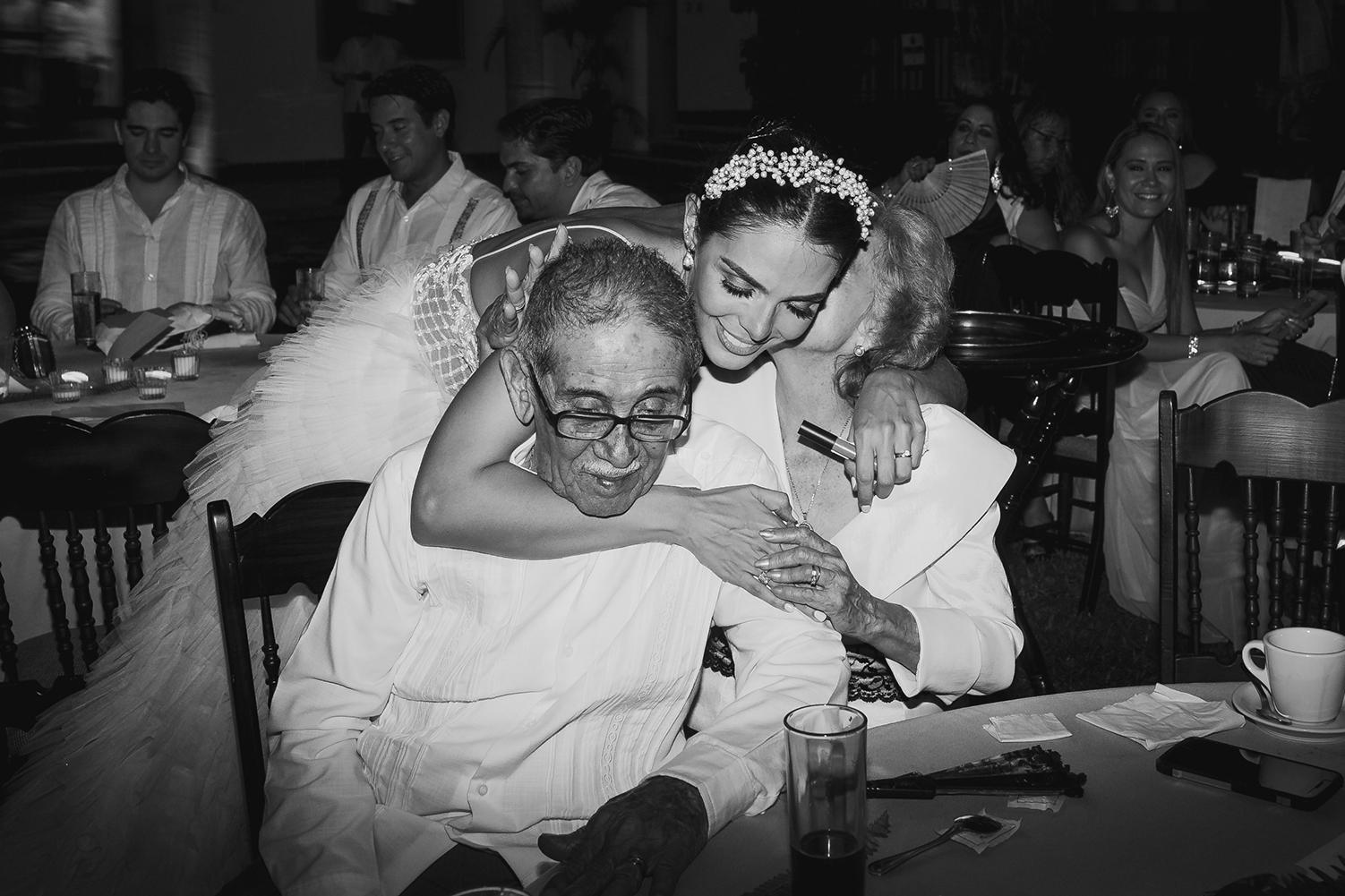 1235R&F__WeddingDestination_Weddingmerida_BodaMexico_FotografoDeBodas_FabrizioSimoneenFotografo.jpg