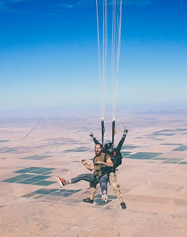 skydiving jakob-owens-203114-unsplash.jpg