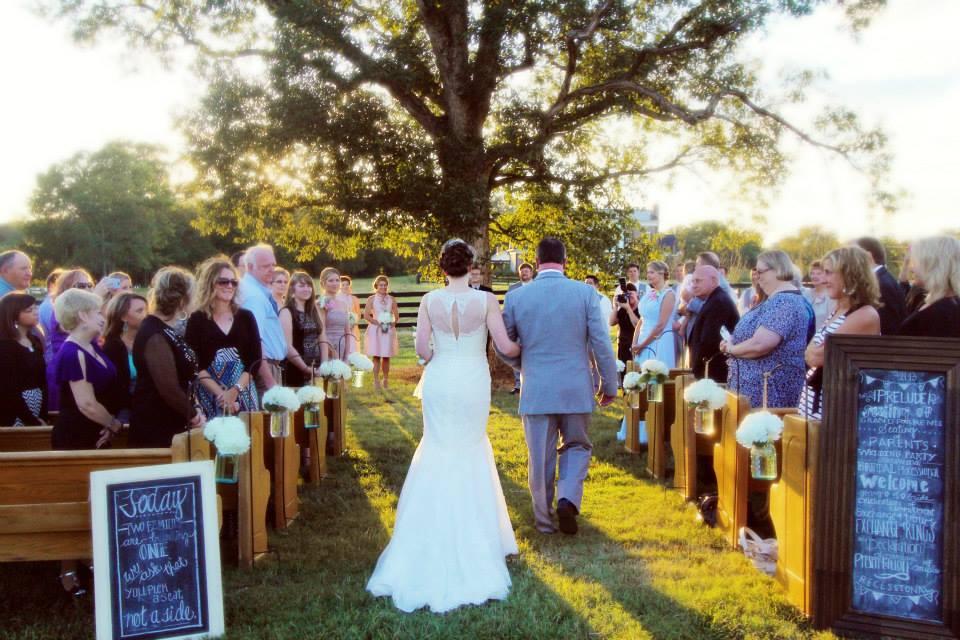 Ceremony_Thompson_Murphy_Belle_Meadows_Farm.jpeg