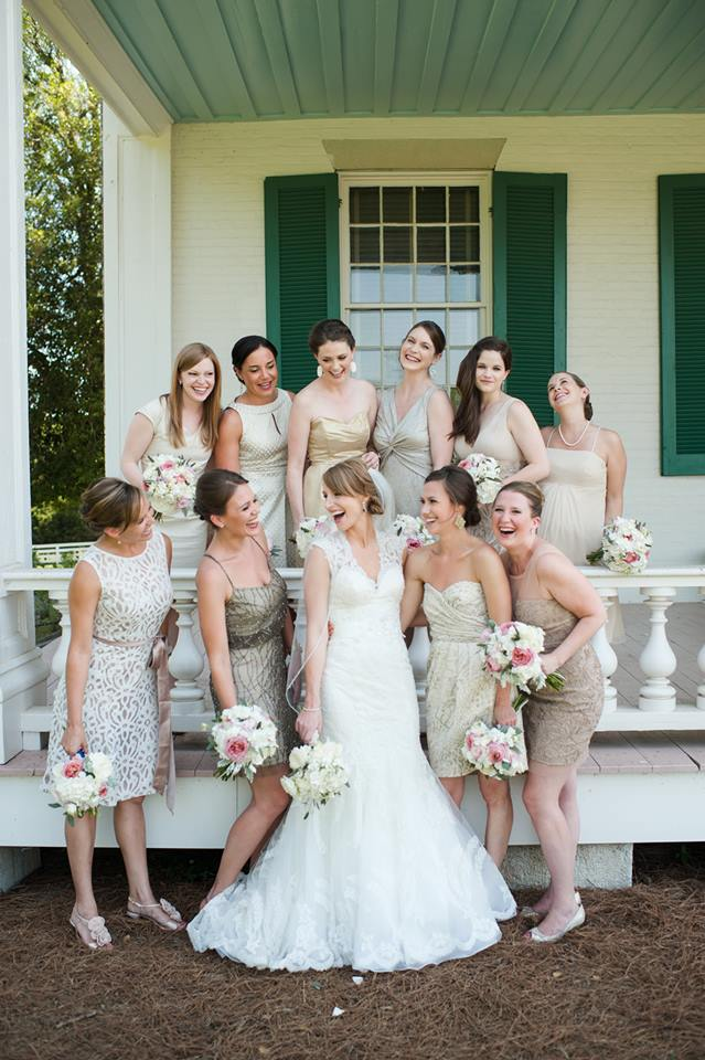 Michelle_Bridesmaids_Flowers_Simply_Yours_Weddings_Carnton_Justin_Wright_Photography.jpeg
