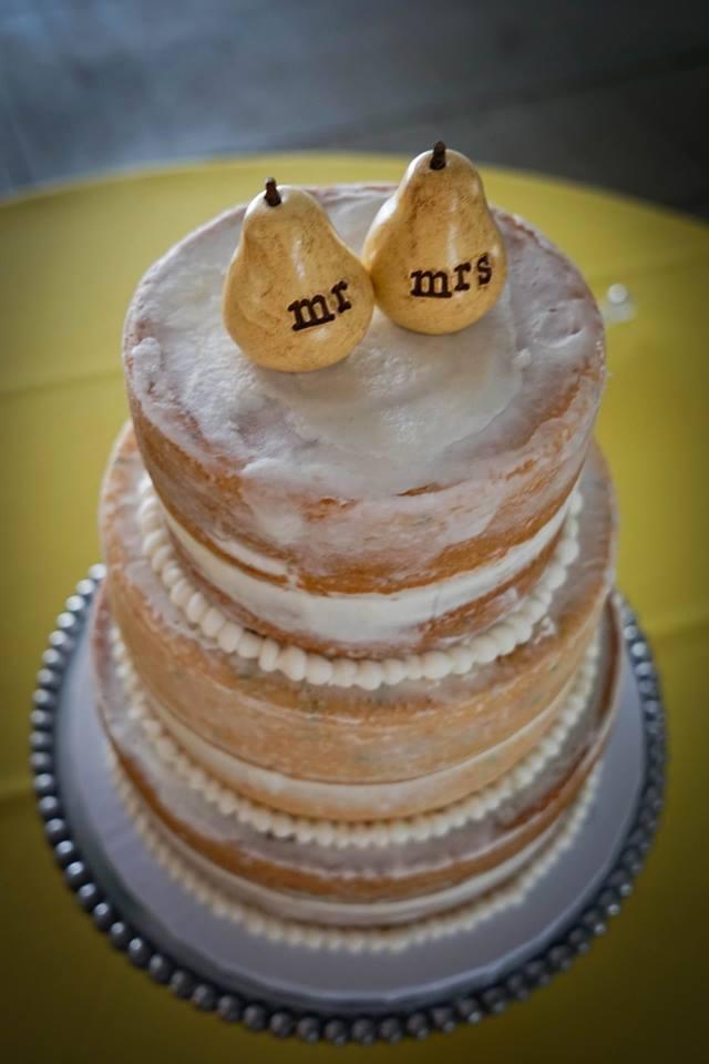 Naked_Cake_Dana_Matt_Kay_Mc_Confections_Simply_Yours_Weddings.jpeg