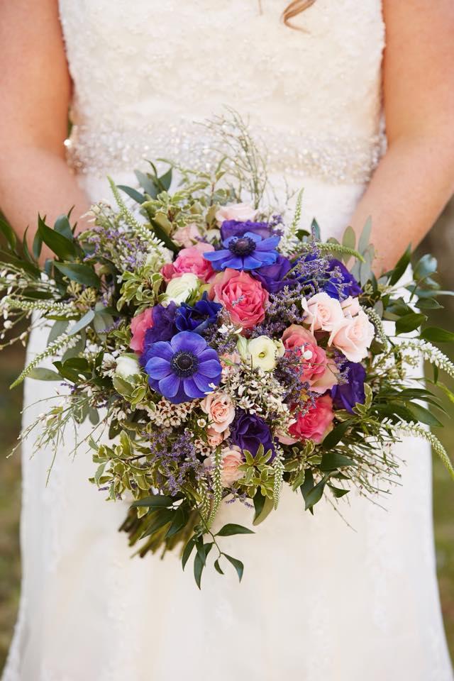 Stephanie_Tommy_Bouquet_Flowers_Courtney_Davidson_Photography.jpeg