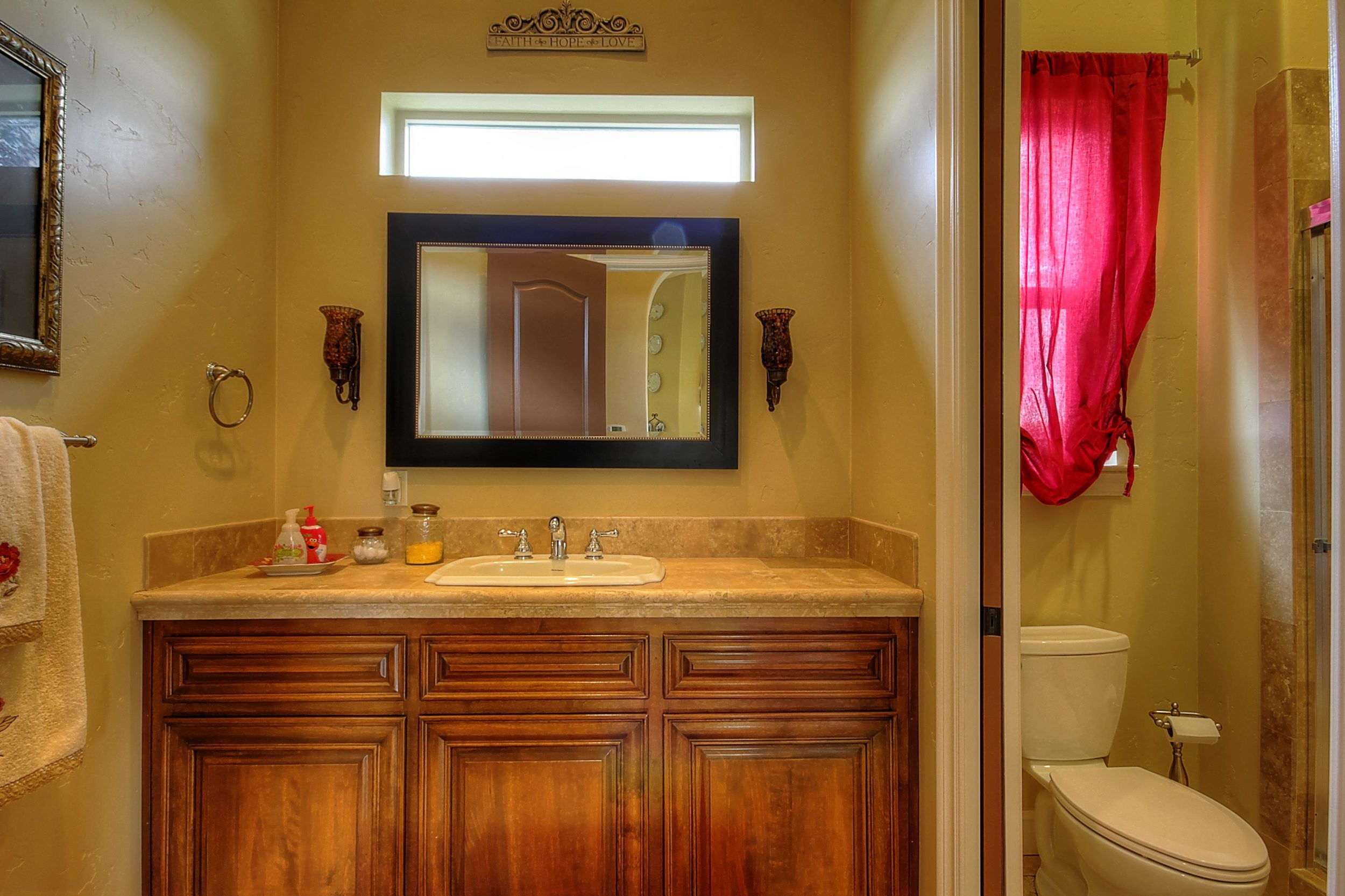 786 7th St Ripon CA 95366 USA-print-018-Bathroom-3455x2303-300dpi.jpg