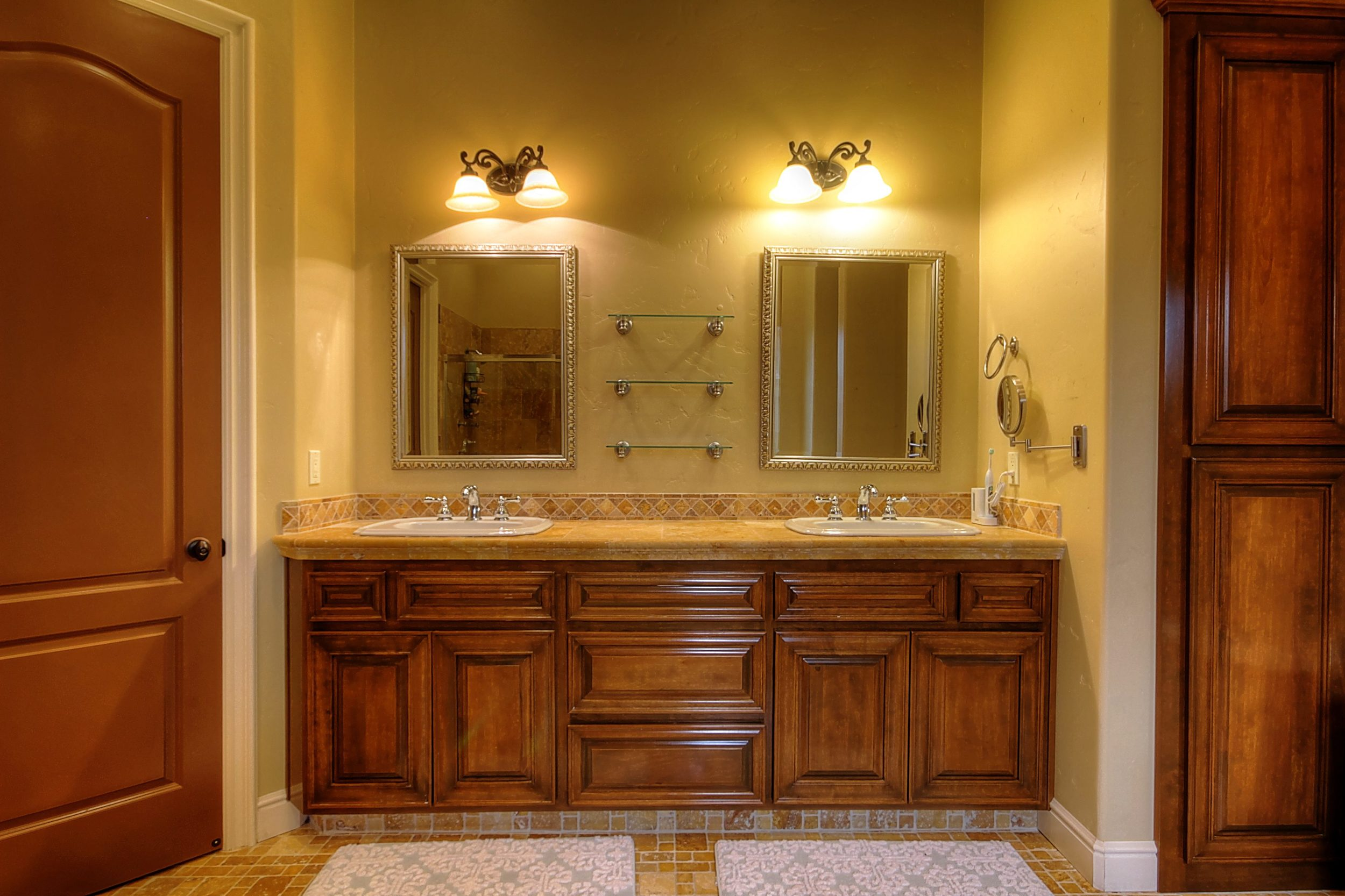 786 7th St Ripon CA 95366 USA-print-033-Master Bath-3455x2303-300dpi.jpg