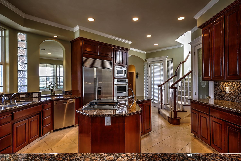 12956  Monroe Ave Los Banos CA-large-024-Kitchen-1500x1000-72dpi.jpg