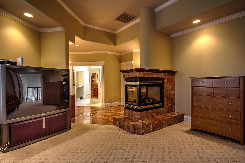 12956  Monroe Ave Los Banos CA-large-049-Master Suite-1500x1000-72dpi.jpg