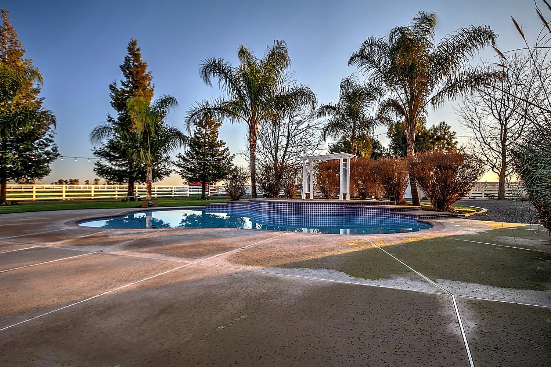 12956  Monroe Ave Los Banos CA-large-078-Pool  Dawn-1500x1000-72dpi.jpg