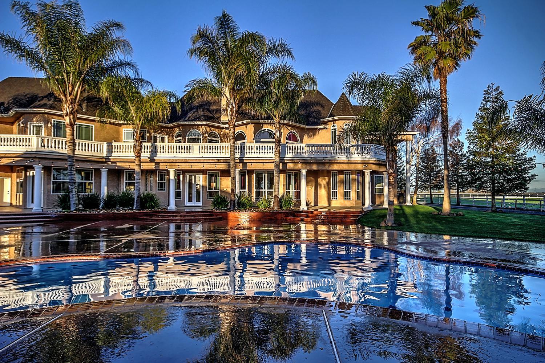 12956  Monroe Ave Los Banos CA-large-080-Pool  Dawn-1500x1000-72dpi.jpg