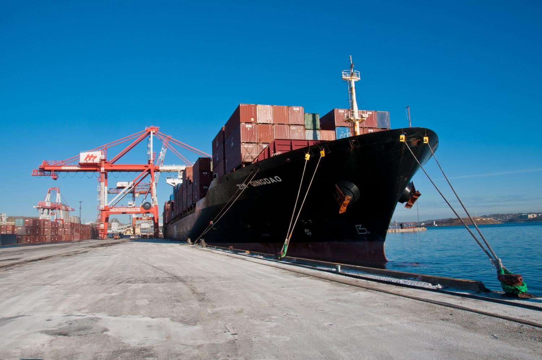 amfraser-Bloomberg News-Port of Halifax-Halterm Container Terminal-Halifax NS-6914-photo by Aaron McKenzie Fraser-www.amfraser.com-.jpg