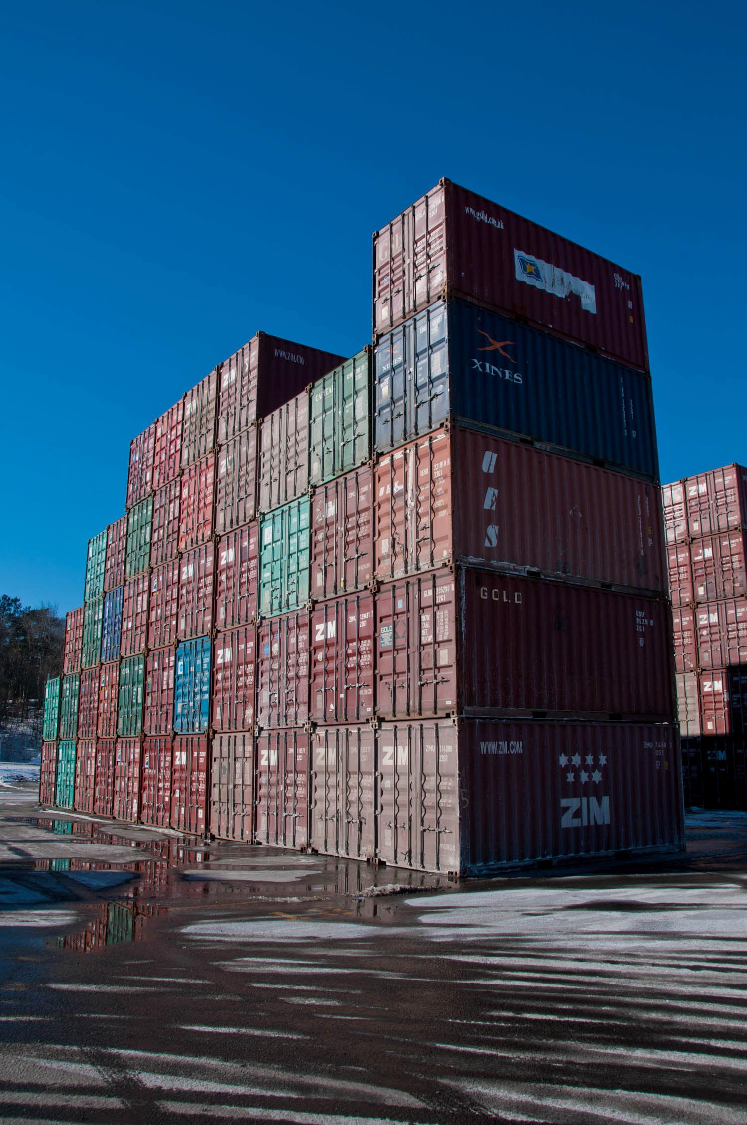 amfraser-Bloomberg News-Port of Halifax-Halterm Container Terminal-Halifax NS-7281-photo by Aaron McKenzie Fraser-www.amfraser.com-.jpg