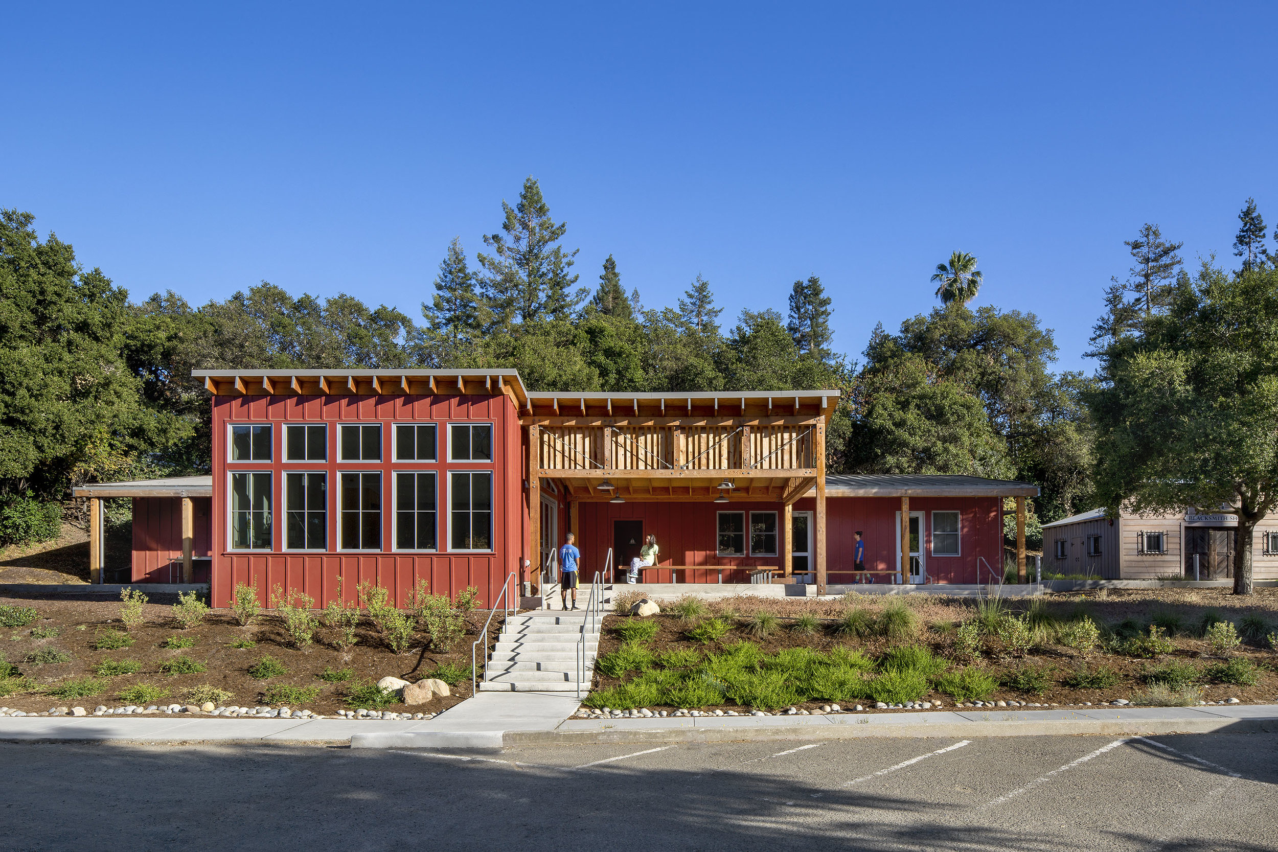 Client: City of Cupertino Architect (Prime): Siegel & Strain Architects Engineer: Ware Associates Photos: David Wakely