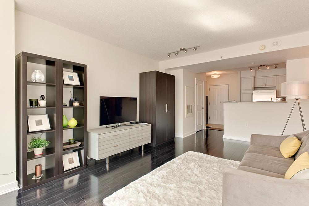 555 Massachusetts Ave NW-print-009-4-Great Room-4200x2800-300dpi.jpg