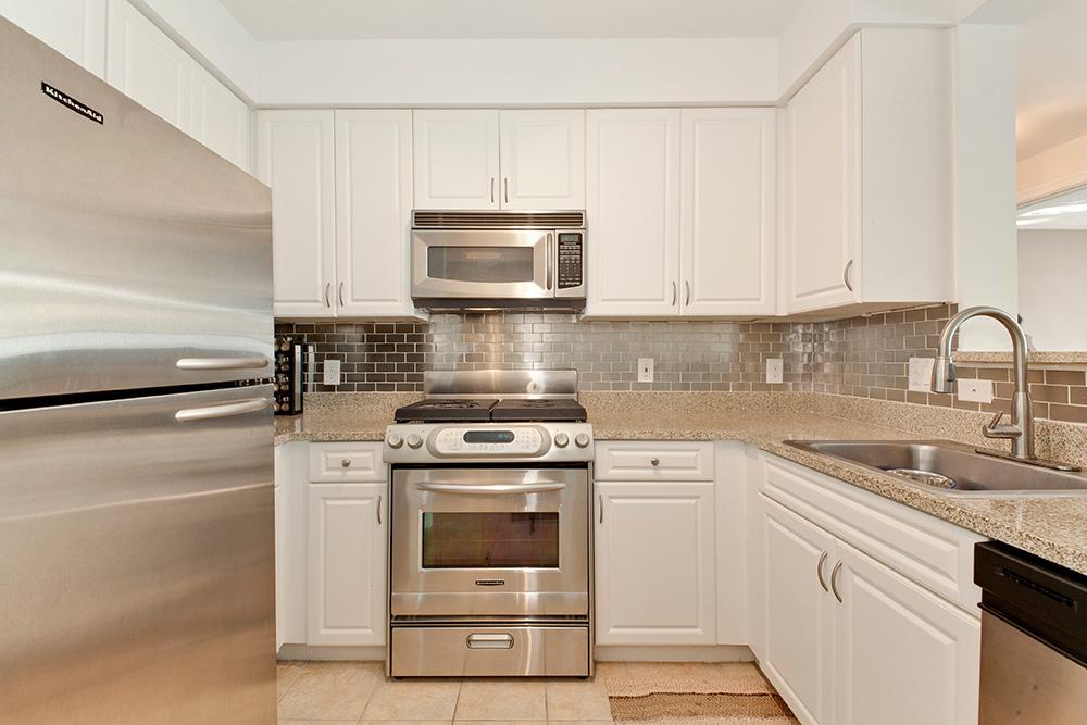 555 Massachusetts Ave NW-print-012-7-Kitchen-4200x2800-300dpi.jpg