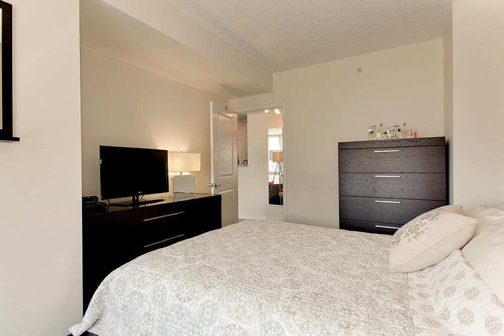 555 Massachusetts Ave NW-print-018-26-Bedroom-4200x2800-300dpi.jpg