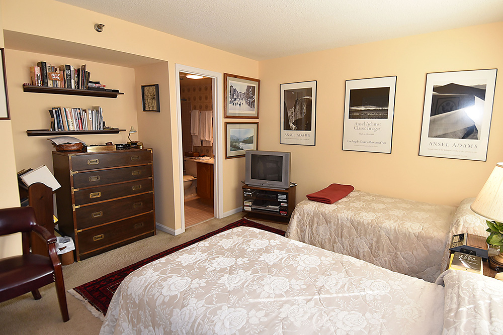 1301 N Courthouse bedroom 4.jpg