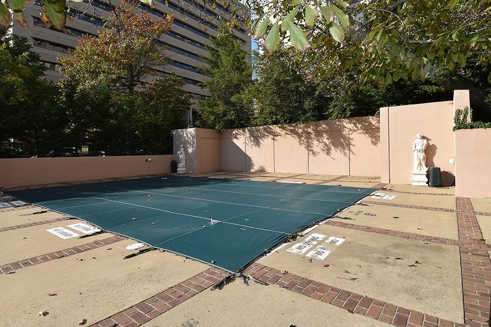 1301 N Courthouse pool.jpg