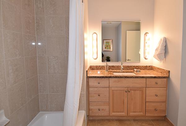 06  Bath 1.jpg
