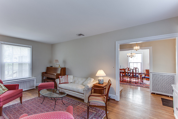 4307 38th St NW Washington DC-print-041-60-Family Room-4200x2800-300dpi.jpg