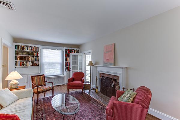 4307 38th St NW Washington DC-print-043-68-Family Room-4200x2800-300dpi.jpg