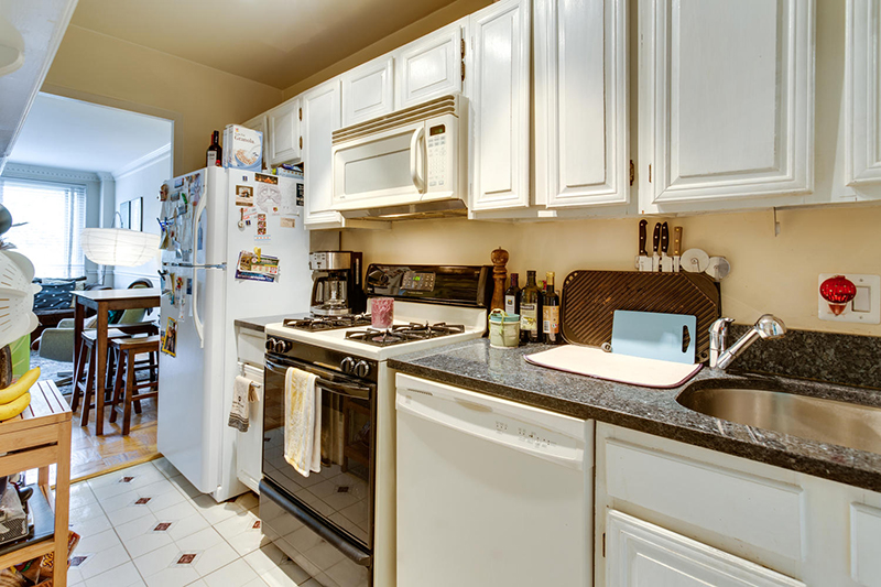 5406 Connecticut Ave NW 704-large-006-30-Kitchen-1500x1000-72dpi.jpg