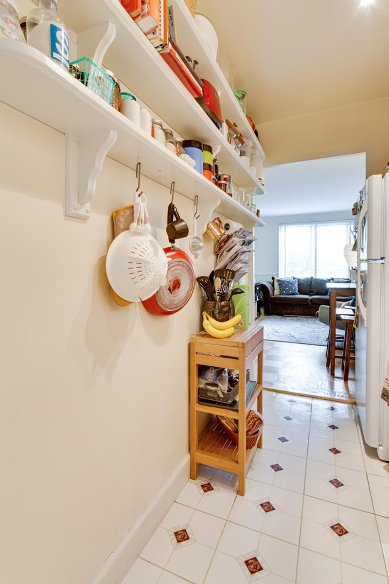 5406 Connecticut Ave NW 704-large-009-25-Kitchen-667x1000-72dpi.jpg
