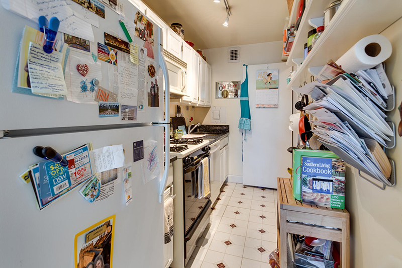 5406 Connecticut Ave NW 704-large-011-18-Kitchen-1500x1000-72dpi.jpg