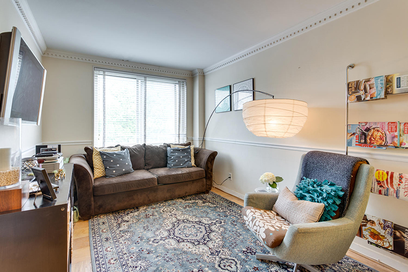 5406 Connecticut Ave NW 704-large-014-9-Living Room-1500x1000-72dpi.jpg