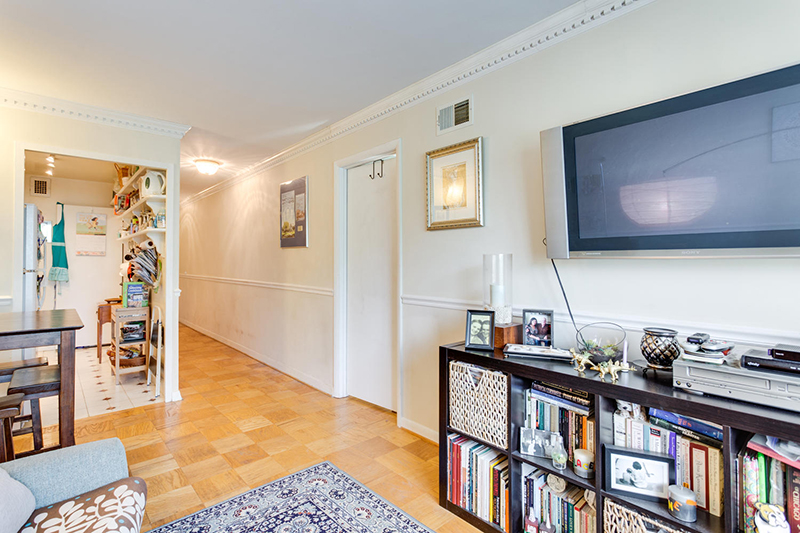 5406 Connecticut Ave NW 704-large-016-15-Living Room-1500x1000-72dpi.jpg
