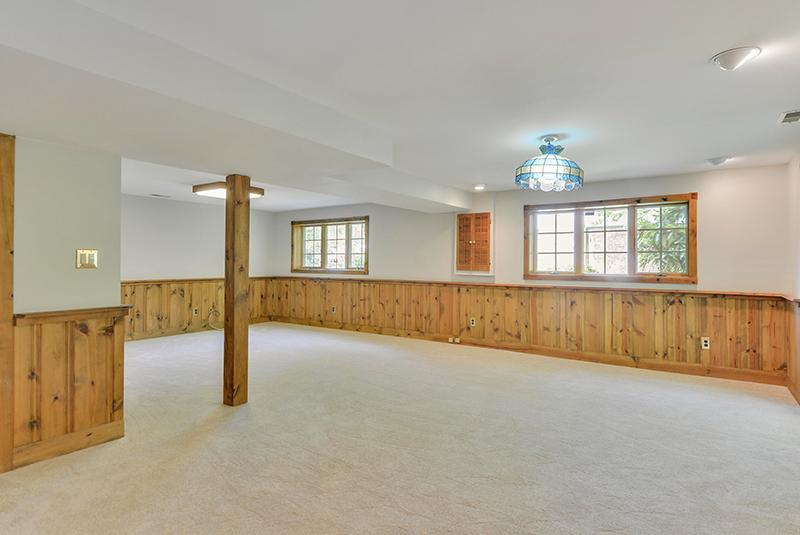 Lower Level-Recreation Room-DSC6129.jpg