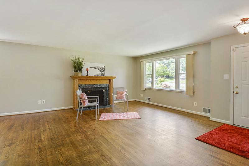 Main Level-Living Room-DSC6156.jpg