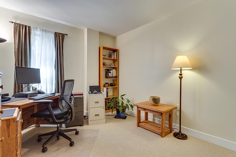 1727 R St NW Unit 504-print-023-40-Bedroom-4200x2800-300dpi.jpg
