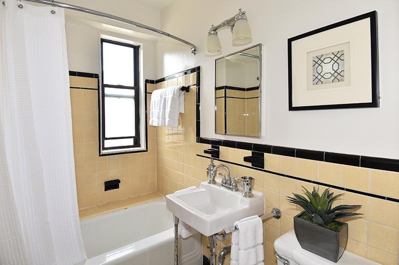 15 212 Bath 1.jpg