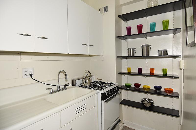 19 212 Kitchen 1.jpg