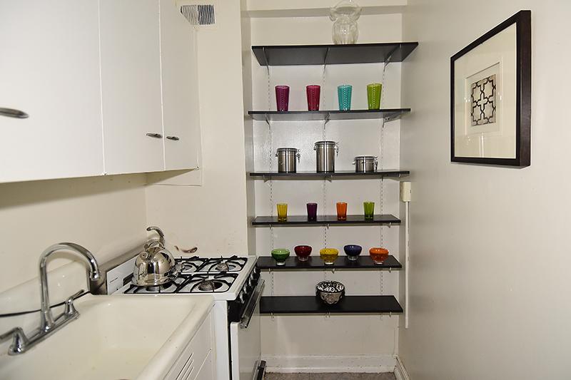 21 212 Kitchen 3.jpg