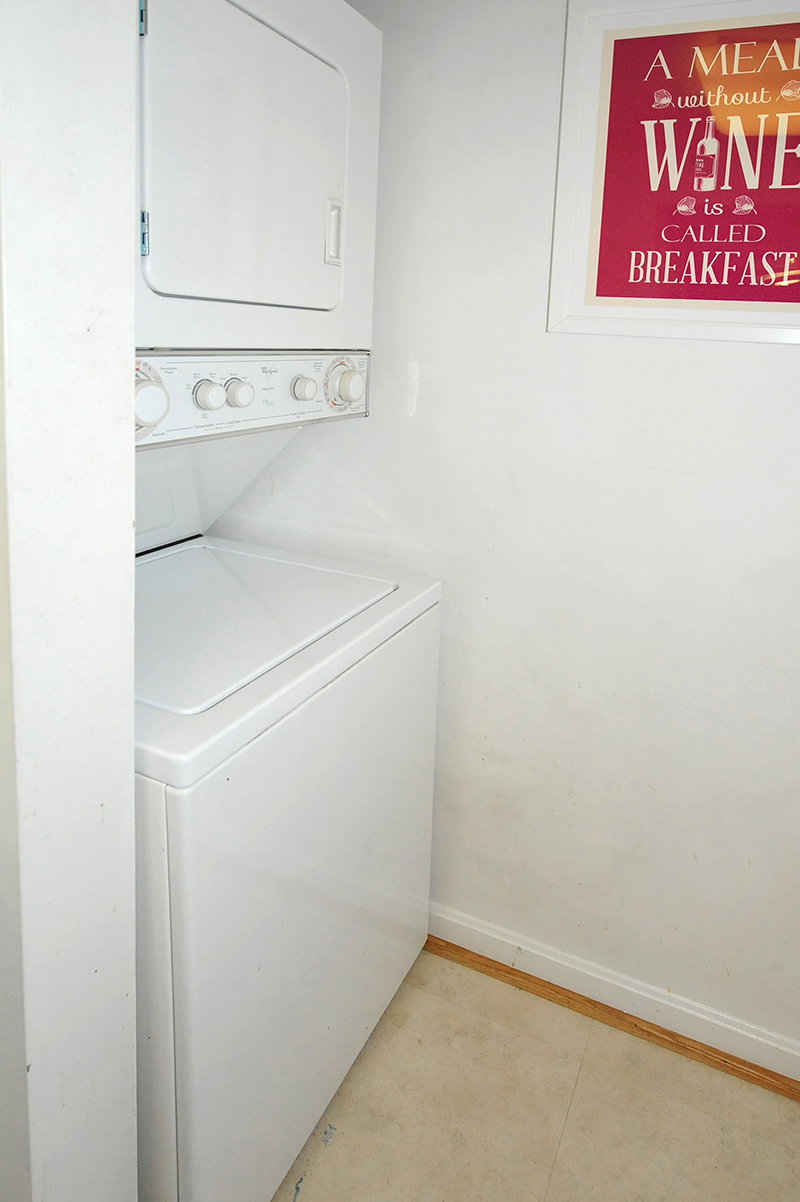 16 Washer-dryer 803 N Howard St 458 Alexandria.jpg