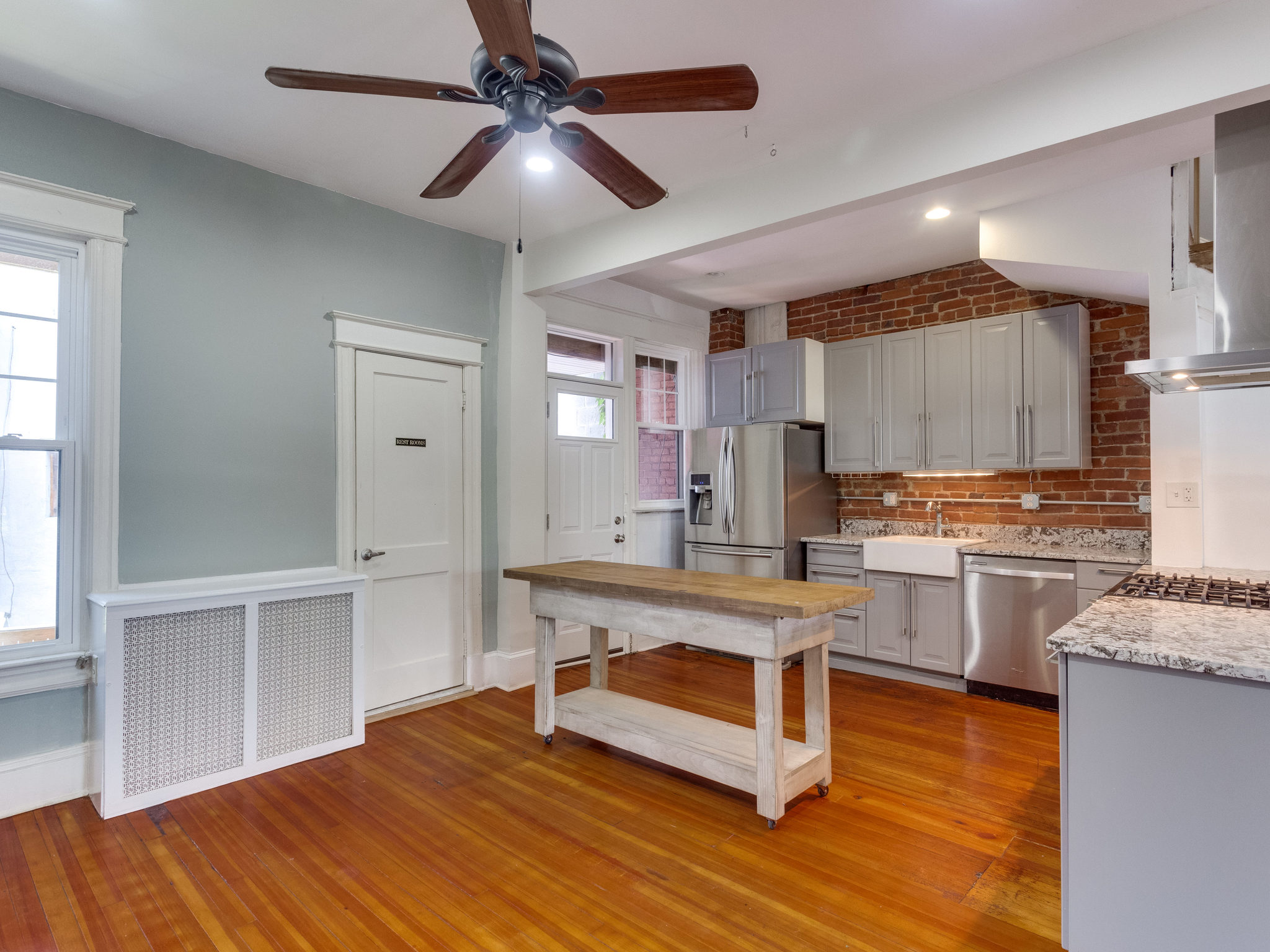 132 Rhode Island Ave NW-MLS_Size-012-34-Kitchen-2048x1536-72dpi.jpg
