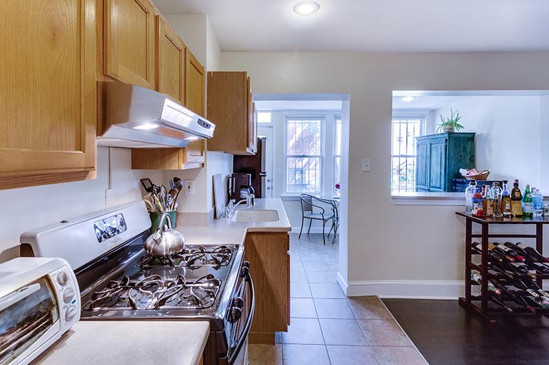 328 Bryant St NE Washington DC-print-021-25-KitchenEating Area-4200x2801-300dpi.jpg
