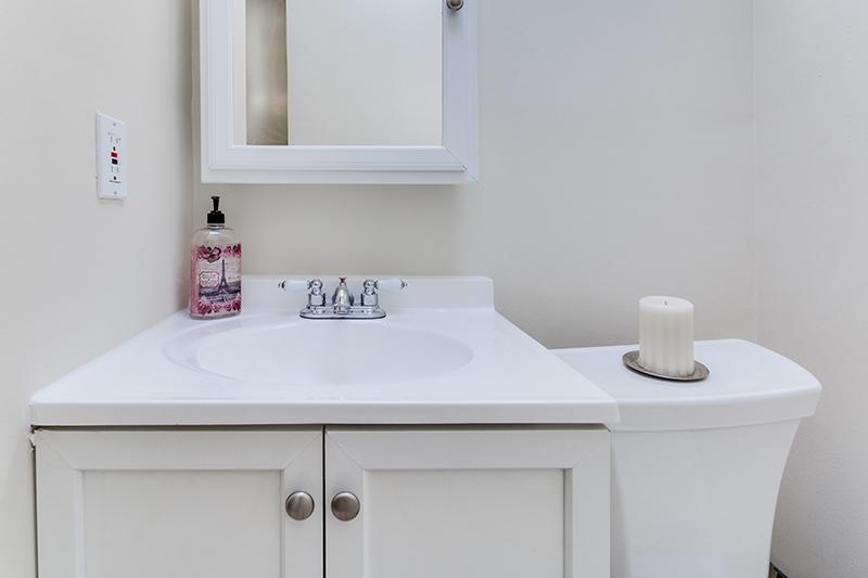 328 Bryant St NE Washington DC-print-026-16-Bathroom-4200x2800-300dpi.jpg