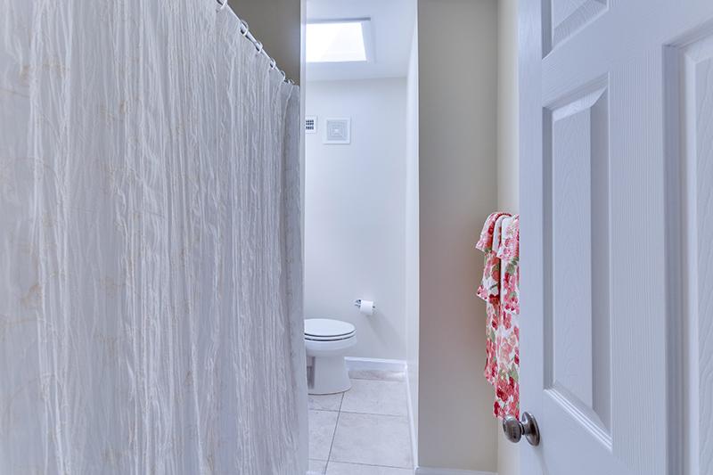 328 Bryant St NE Washington DC-print-022-26-Bathroom-4200x2800-300dpi.jpg
