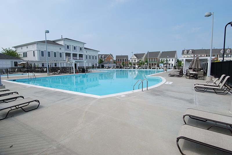 lakelands pool.jpg